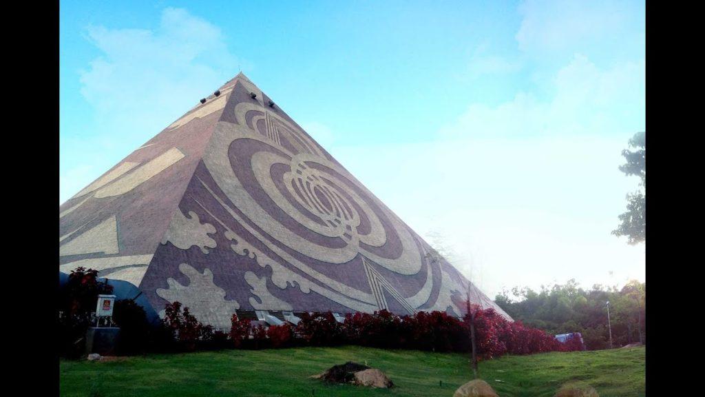 Pyramid Valley